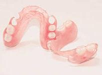 Съемные зубные протезы из пластмассы
