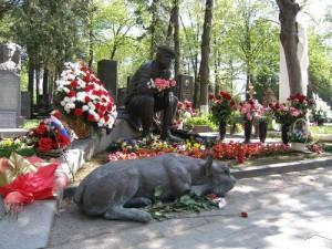 Новодевичье кладбище — могила Юрия Никулина
