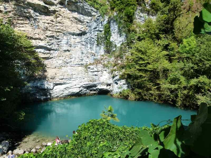 Отдых в Абхазии Голубое озеро