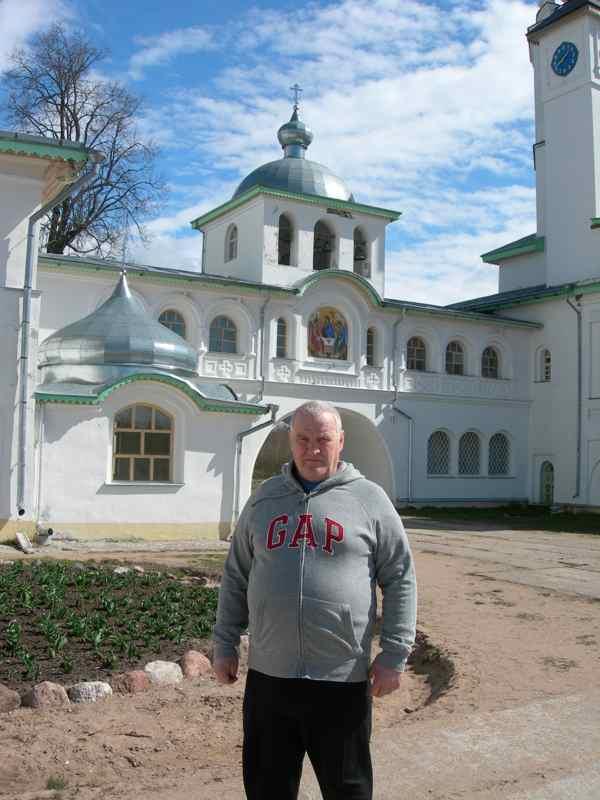 Храмы Иоанно-Богословского Крыпецкого монастыря