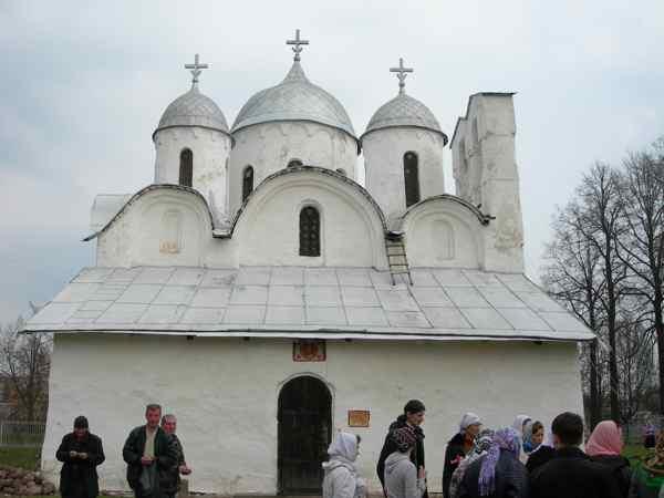 Монастыри Пскова храм Иоанна Предтечи