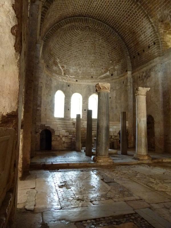 Храм Миры Ликийских