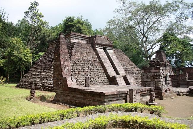 Тайна пирамид Индонезии